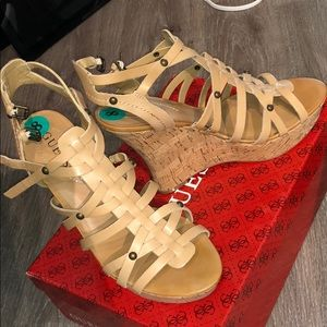 Size 8 Guess Wedges